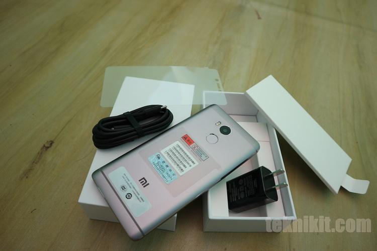 Foto Unboxing Redmi 4 Prime